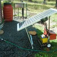 Small Solar Water Pump - DIY
